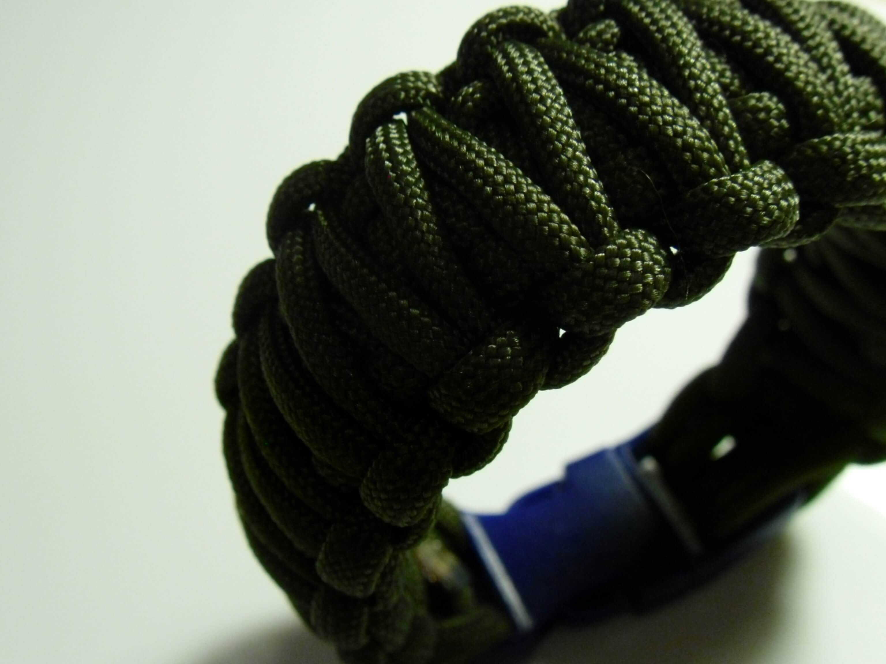 armband knoten anleitung double cobra aus paracord. Black Bedroom Furniture Sets. Home Design Ideas