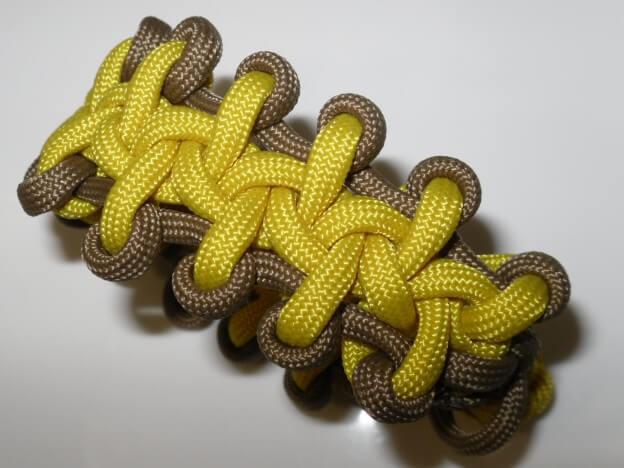 """In diesem Paracord Bracelet Tutorial geht es um das """"Boot Lace Bar"""""""