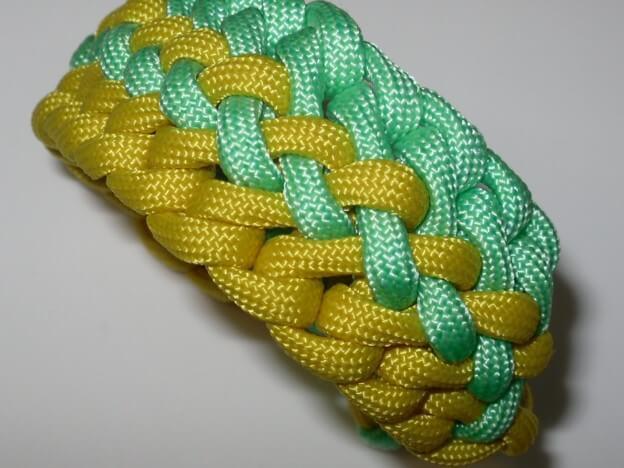Tolles neues Paracord Bracelet zweifarbig